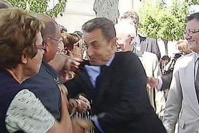 Sarkozy quería sacudir al tipo que le cogió de la solapa y lo zarandeó