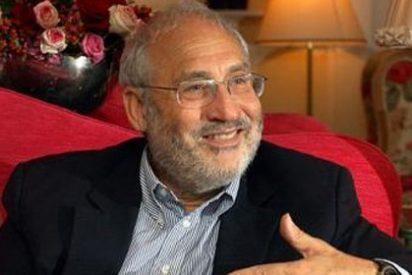 Público y Stiglitz 'casan' por todo lo alto al socialismo con el 15-M