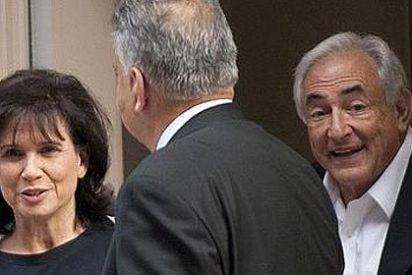 Strauss-Kahn queda en libertad sin fianza por las reiteradas 'mentiras' de la camarera