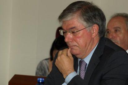 Tofiño amarra a 105 colegas en la Diputación antes de irse y les regala un contrato indefinido
