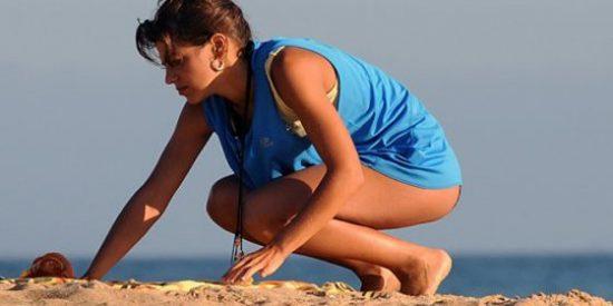 Thaïs Blume ('Hispania'), pillada en top-less junto a su novio en Interviú