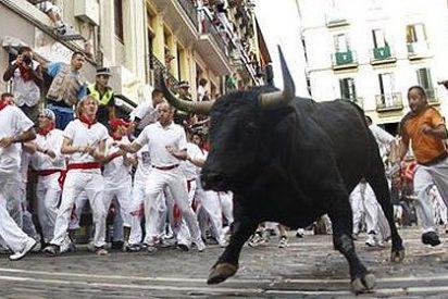 Un quinto encierro muy rápido y limpio con los toros de Fuente Ymbro