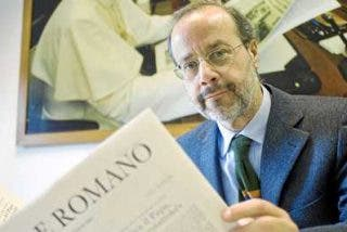 """Bertone a L'Osservatore: """"El mundo visto con los ojos del Papa"""""""
