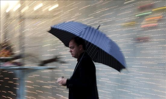 Seis provincias en alerta naranja por lluvias y tormentas