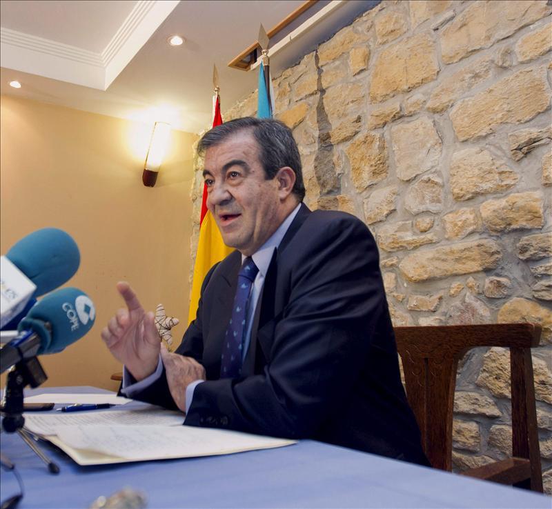 Álvarez Cascos visita a Jesús Sanz