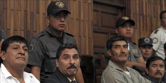 Histórica condena de 6.060 años de prisión para 4 exmilitares en Guatemala