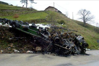 Muere calcinado un conductor en un accidente en la A2 en Alfajarín (Zaragoza)
