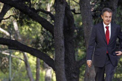 Zapatero vuelve a su despacho y se reúne con Salgado para seguir la economía