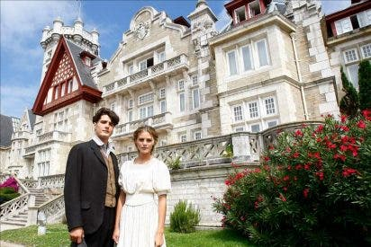Amaia Salamanca rueda una serie de época, con amor y misterio