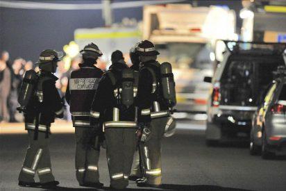 """El """"collar bomba"""" retirado a la joven australiana no contenía explosivo"""