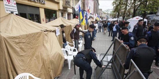 Oposición, activistas y políticos occidentales critican el arresto de Timoshenko
