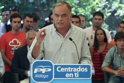 Pons pide a Rubalcaba posicionarse a favor de la Policía o de los indignados