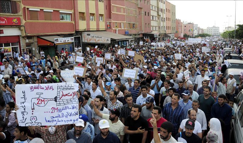 El movimiento contestatario protesta por el coste de la vida y pide más democracia