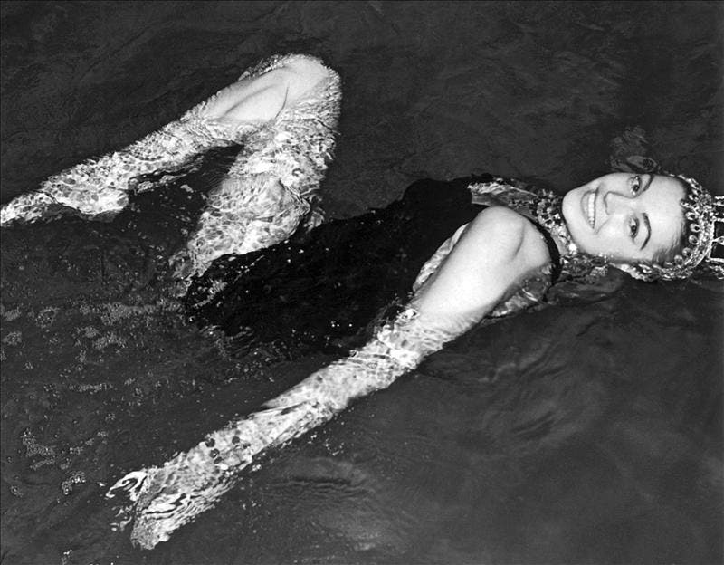 """Esther Williams, """"la sirena de Hollywood"""", cumple 90 años"""