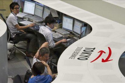 El Nikkei cae temporalmente más de 2 por ciento pese a mensaje de apoyo de G7