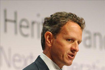 """Geithner ataca a Standard and Poor's por decisión """"verdaderamente terrible"""""""