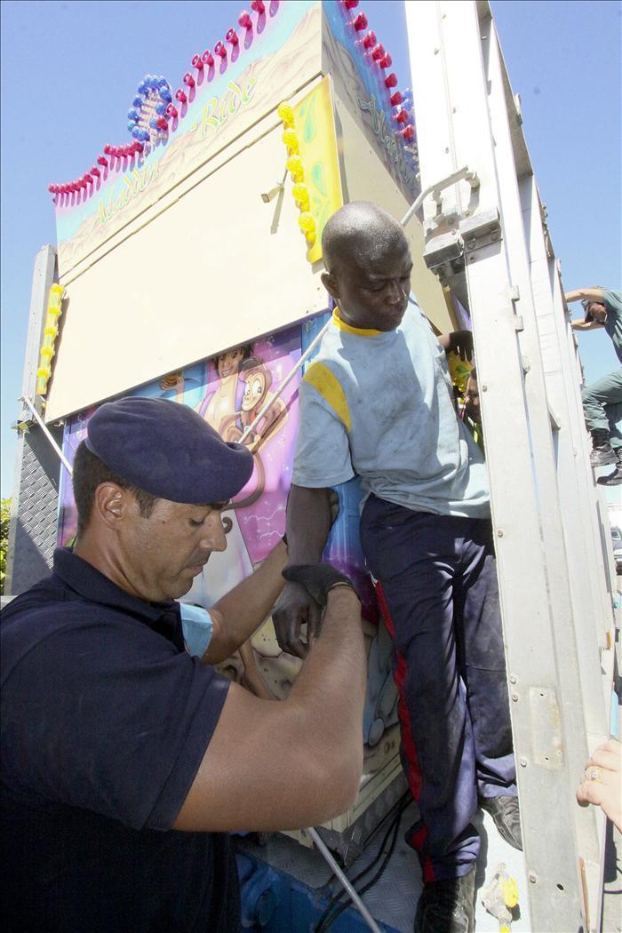 Rescatada una balsa en el Estrecho con 8 inmigrantes subsaharianos