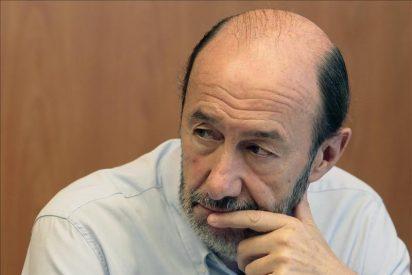 """Rubalcaba critica el discurso """"mucho más complaciente"""" de Bildu hacia ETA"""