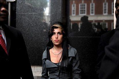 Amy Winehouse, Zapatero y Jessica Bueno, los más buscados en Google