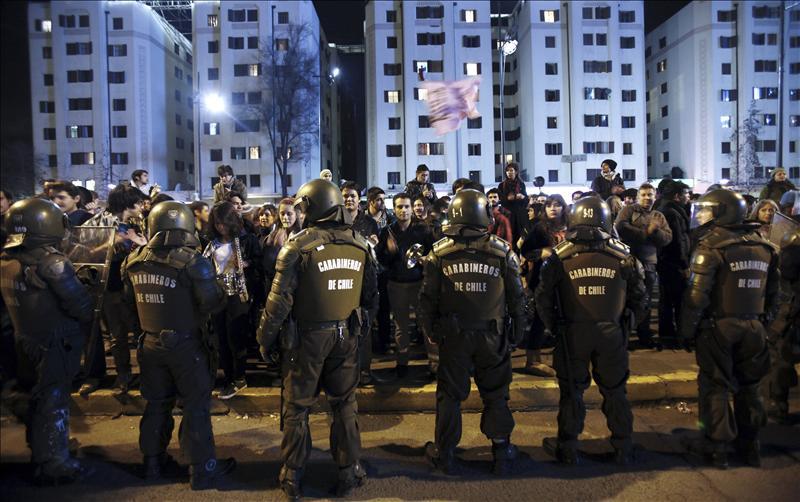 Casi cuatrocientos detenidos por las protestas estudiantiles, según el Gobierno de Chile