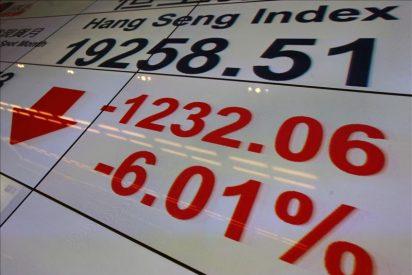 El Hang Seng vuelve al rojo y baja el 2,35 por ciento en su apertura