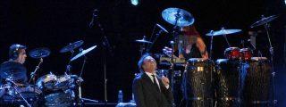 Más de 8.000 fans se rinden a la voz y las letras de Julio Iglesias