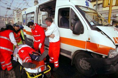 Tres muertos y 24 heridos en EE.UU. al caerse un escenario por los fuertes vientos