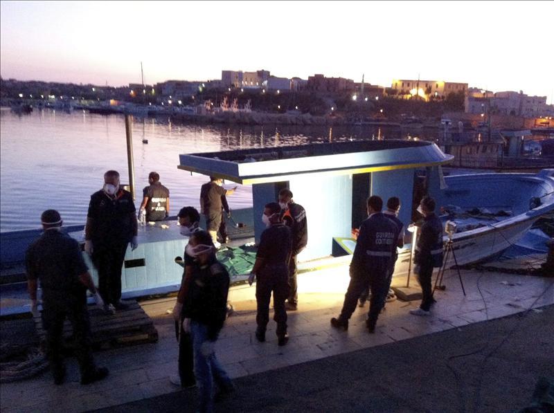 Tres embarcaciones con más de 800 inmigrantes llegaron a Lampedusa