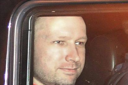 El autor de matanza en la isla de Utøya regresa allí con la Policía noruega