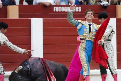 Triunfa El Juli, oreja a Urdiales y Chaves, y heridos Puerto y un banderillero