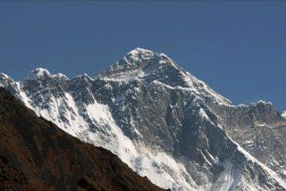 Nepal va a medir el Everest para disipar las dudas sobre su altura
