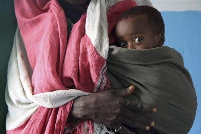 Diez menores de 5 años mueren a diario en un campo de refugiados somalís