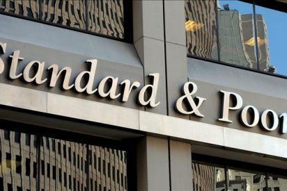 EE.UU. investiga si Standard and Poor's calificó al alza unos bonos antes de la crisis
