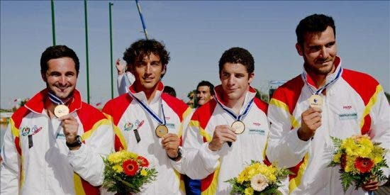 España cerró con cuatro medallas, oro en relevo, y al menos dos pases a los Juegos Olímpicos