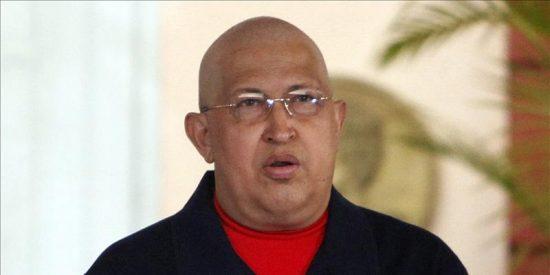 """Chávez denuncia """"masacre imperialista"""" en Libia por sus riquezas"""