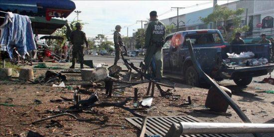 Doce heridos al estallar una bomba en el sur musulmán de Tailandia