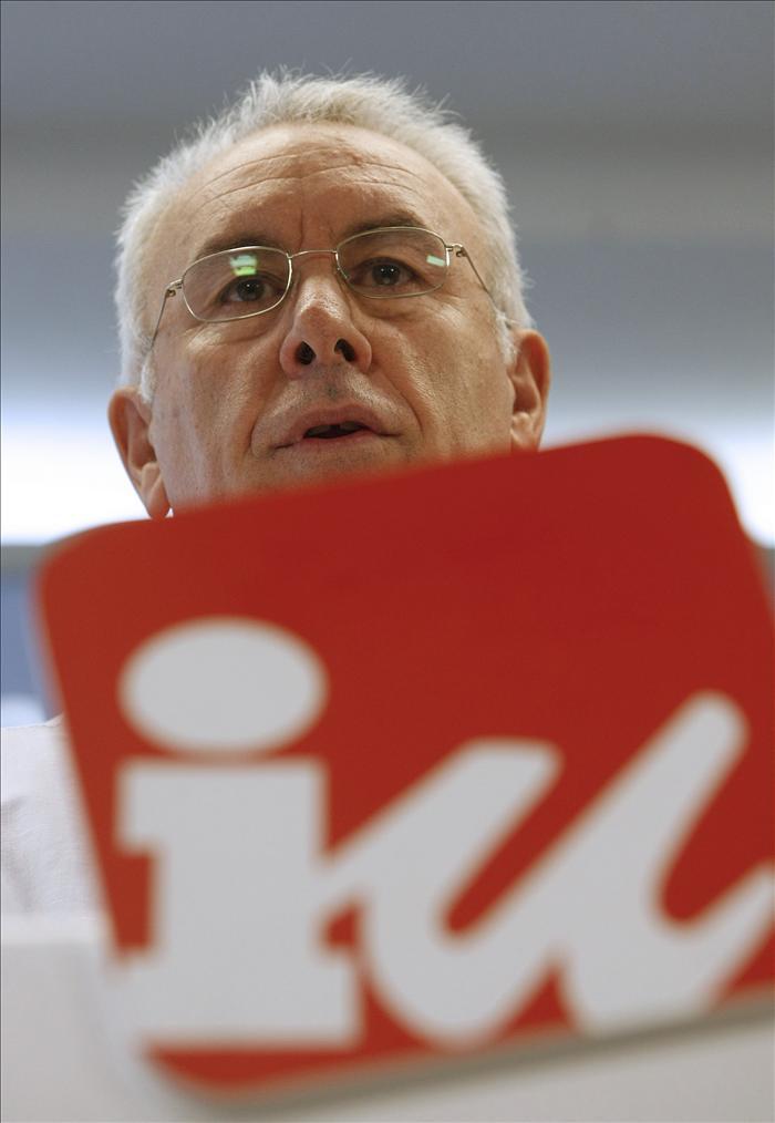 Cayo Lara llama a la movilización en contra de la reforma de la Constitución