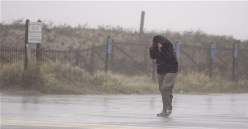 """La costa atlántica de EE.UU. se prepara para la llegada de """"furia"""" del huracán """"Irene"""""""