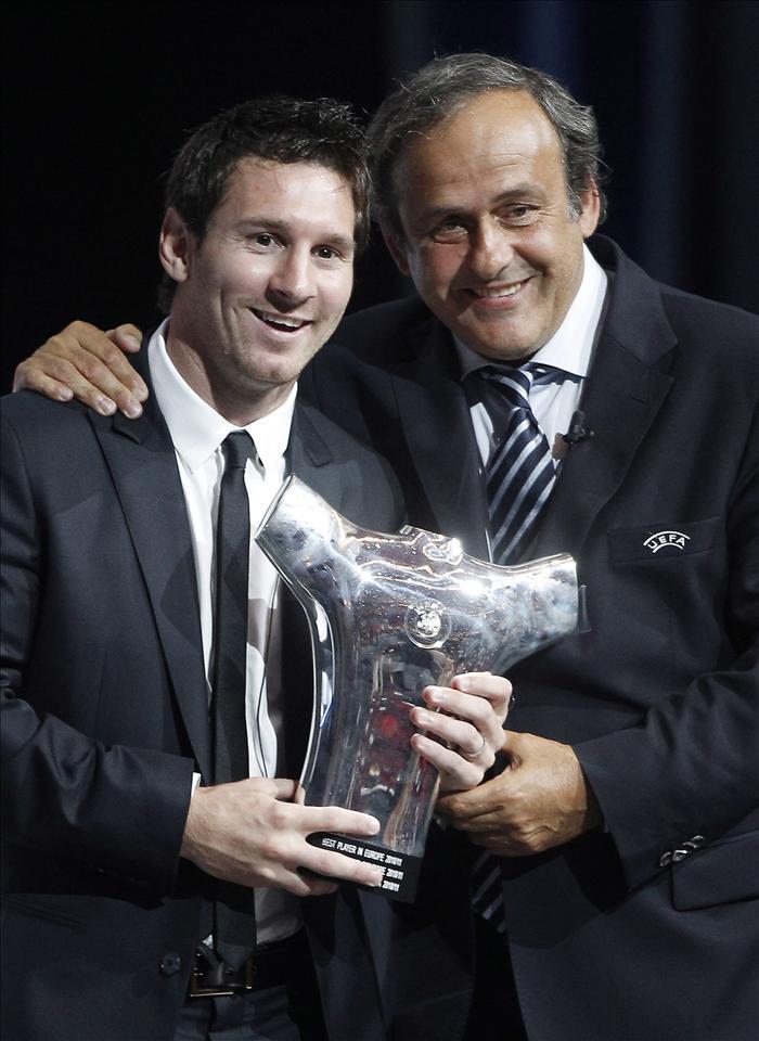 Platini considera que Messi está muy protegido por los árbitros