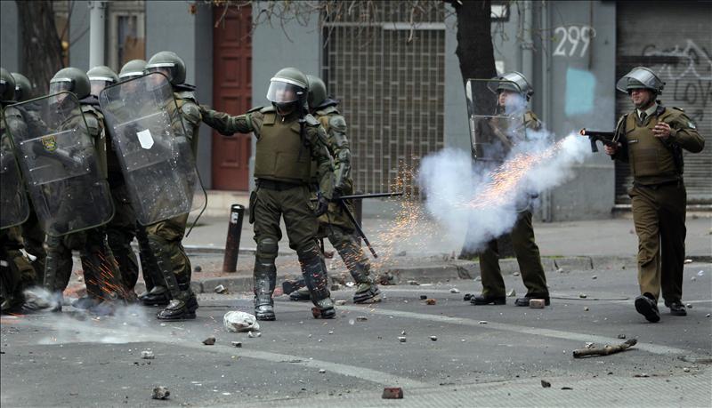 Un muerto y varios heridos se registraron esta madrugada en Chile tras huelga