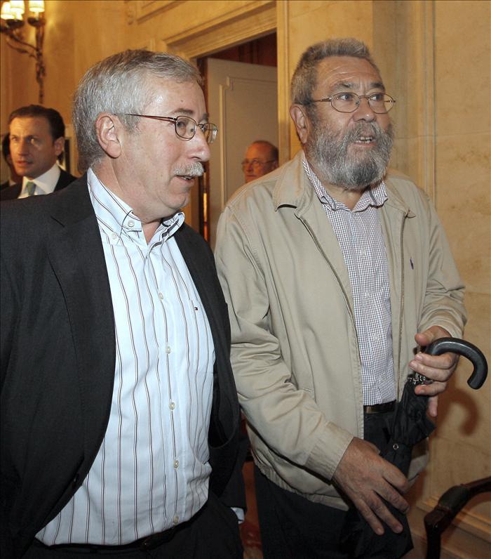 UGT y CCOO convocan concentraciones en Andalucía y piden un referéndum