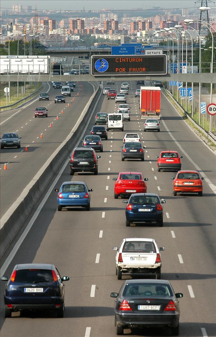 La operación retorno comienza sin retenciones en las carreteras