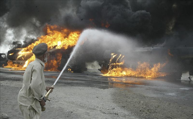 Mueren nueve soldados paquistaníes en un ataque talibán en la frontera afgana
