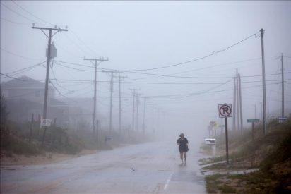 """Bloomberg pide a los neoyorquinos evacuar """"ya"""" las zonas de peligro por """"Irene"""""""
