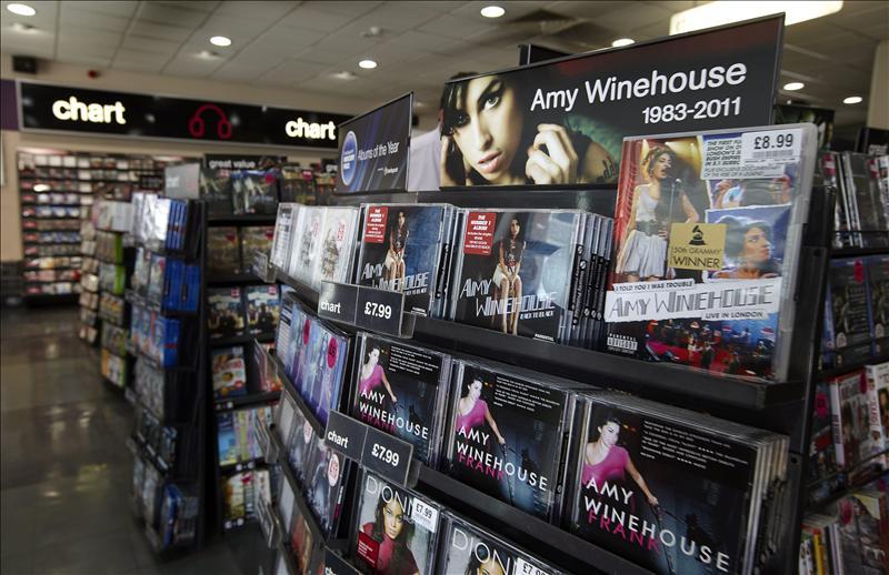 La MTV homenajeará hoy Amy Winehouse y Britney Spears en los premios VMA