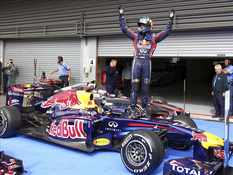Vettel lidera otro doblete de Red Bull y deja casi decidido el Mundial; Alonso, cuarto