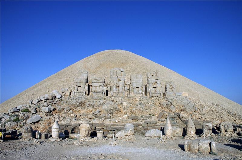 Las monumentales esculturas del monte Nemrut serán trasladadas a un museo