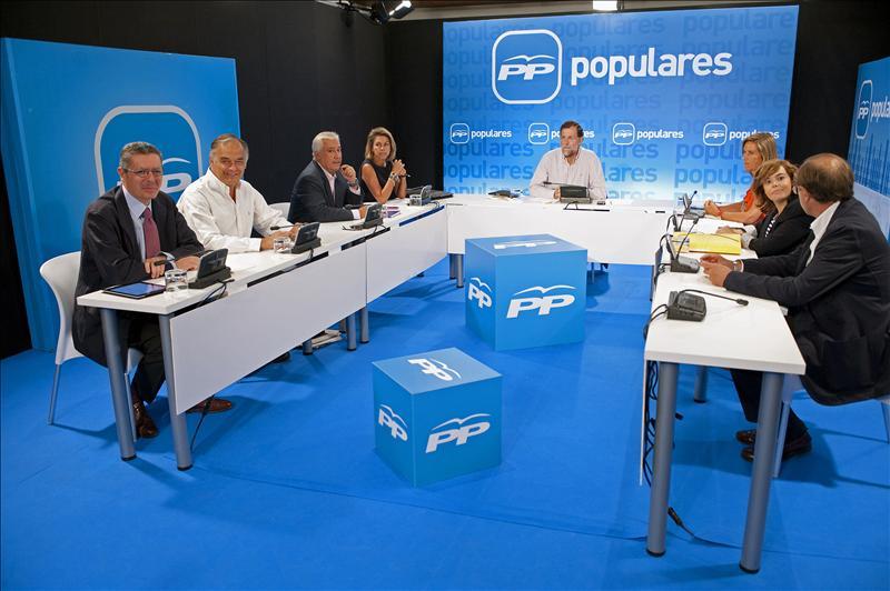 Rajoy preside el Comité de Dirección del PP que ultima la estrategia electoral