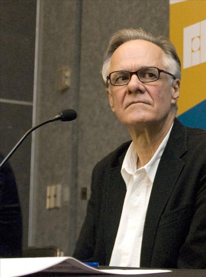 El colombiano Fernando Vallejo gana el Premio FIL en Lenguas Romances 2011