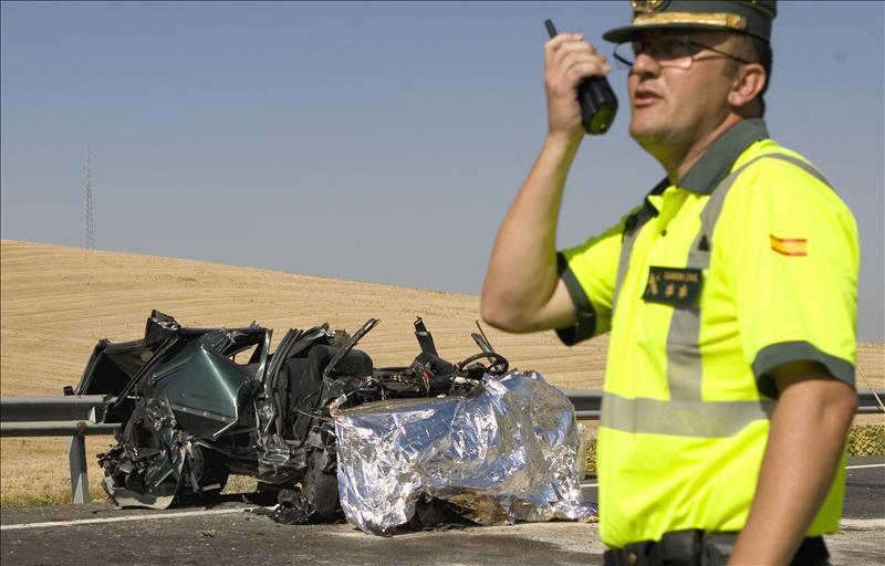 Tres personas muertas en un accidente de tráfico en Las Cabezas (Sevilla)